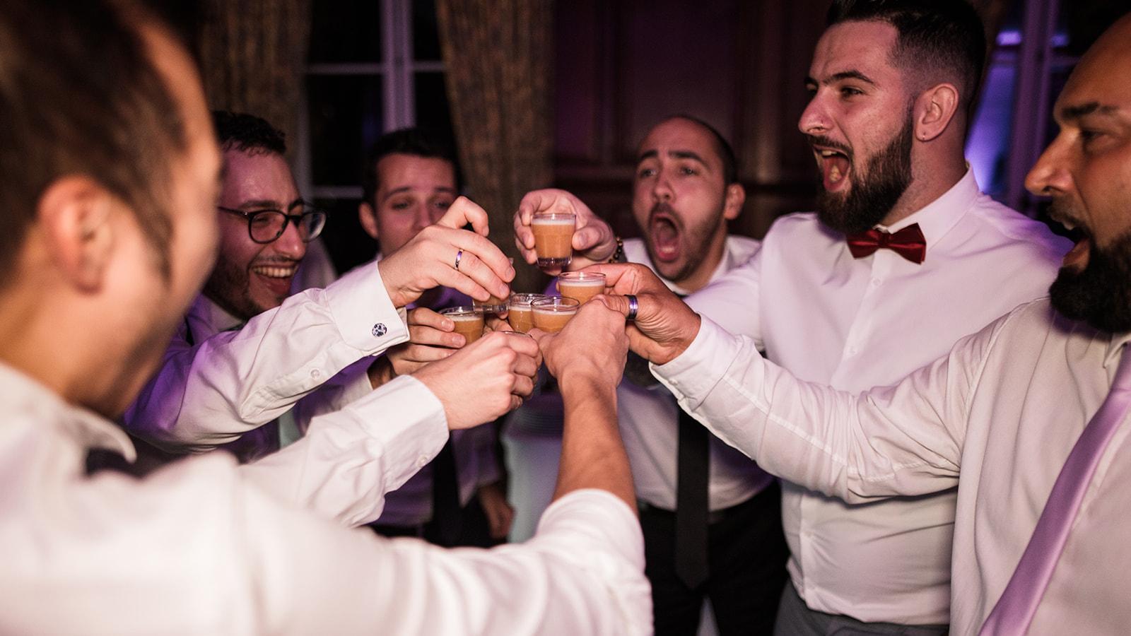 Une fête au chateau de Reilly en compagnie de bar deluxe